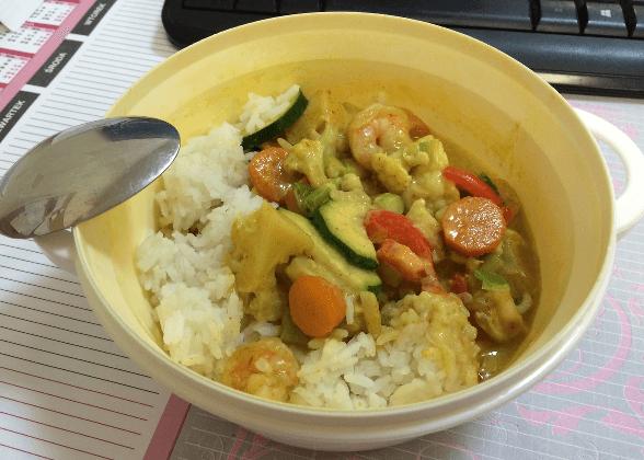 zielone curry z krewetkami