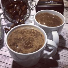weganska goraca czekolada z daktyli