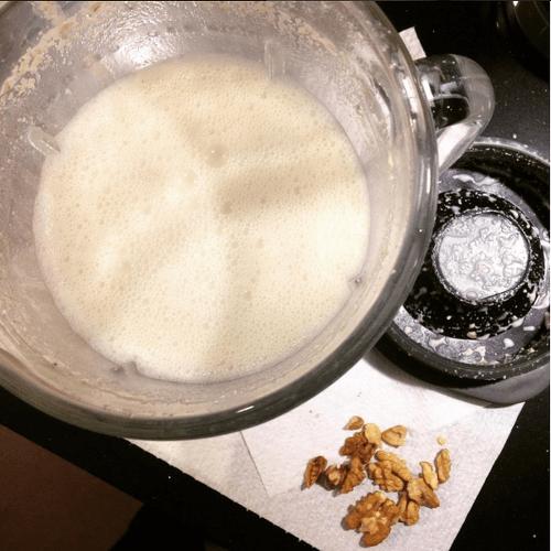 mleko z orzechow wloskich