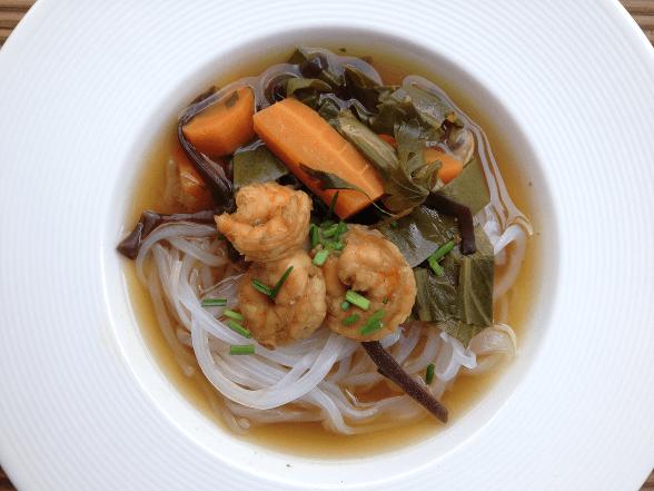 orientalny bulion z warzywami