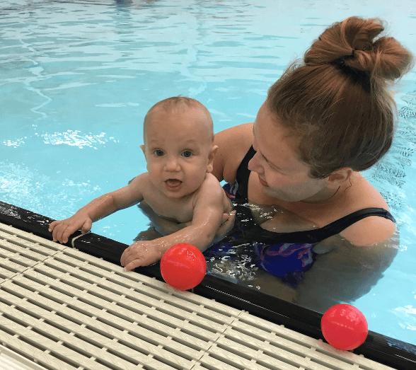 pierwszy basen z niemowlakiem