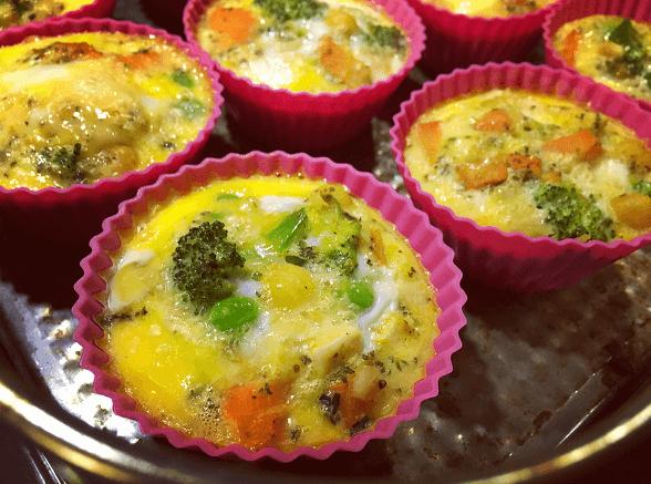 babeczki jajeczne z warzywami